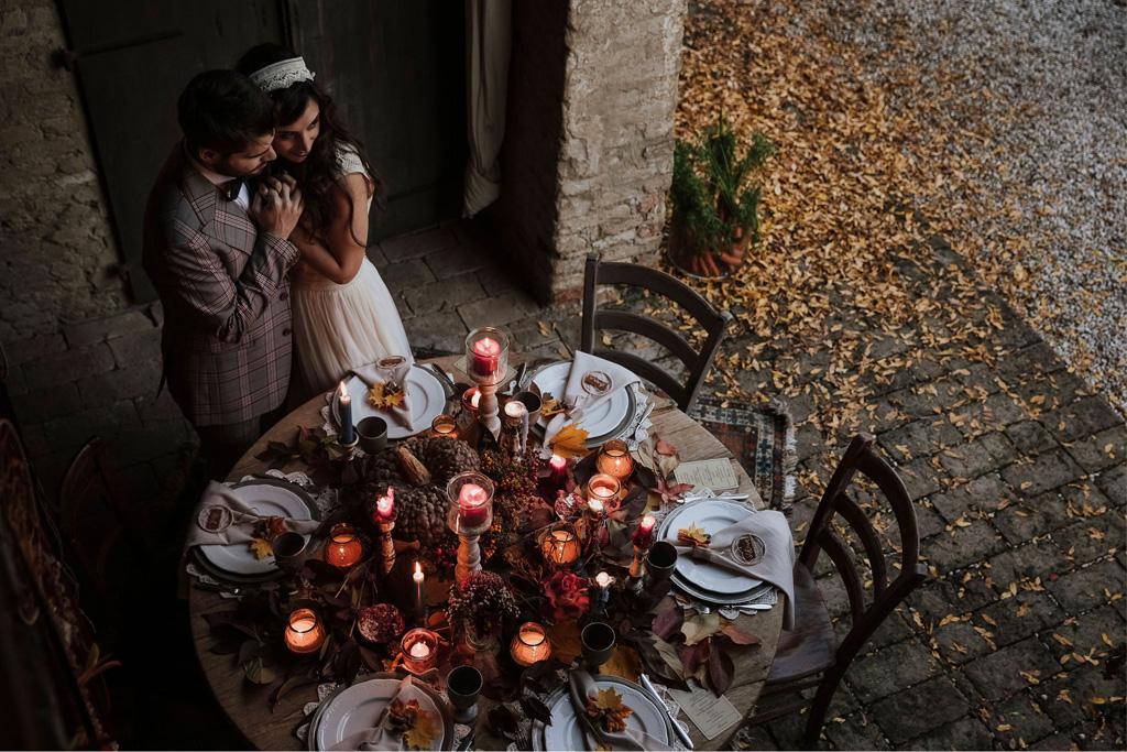 La mise en place di un matrimonio autunnale e bohémien